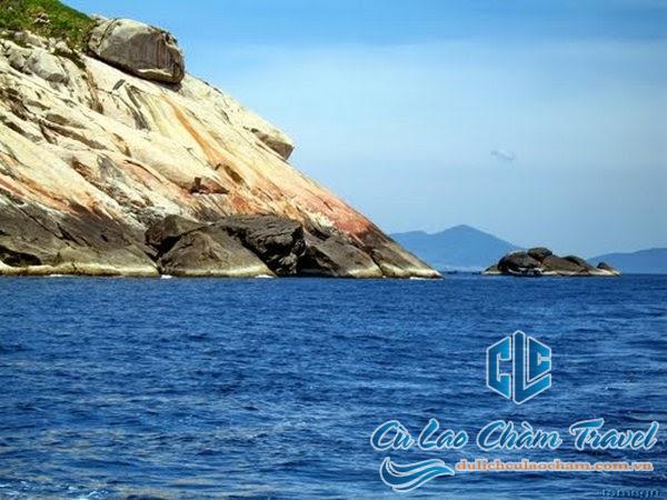 Một hình ảnh về Hòn Khô Mẹ trên đảo Cù Loa Chàm